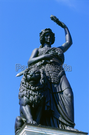 mulher historico monumento beber bebida lazer
