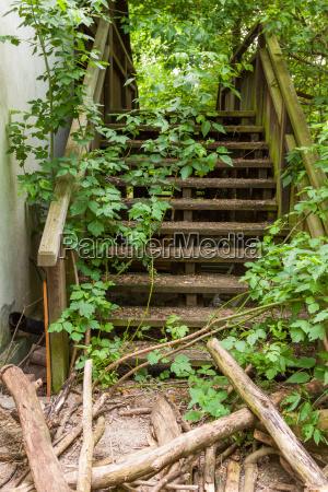 ramshackle stairs
