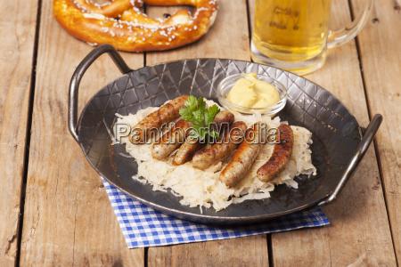 food aliment sausage sauerkraut frankfurters nuernberger