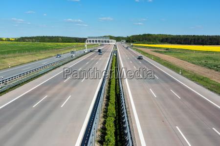 a estrada na alemanhacom pouco trafego