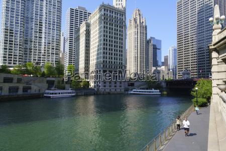 chicago river walk chicago illinois united